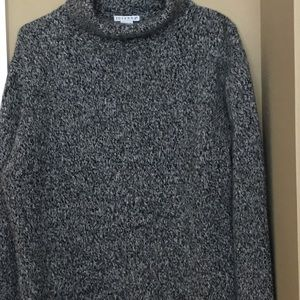 Sweaters - Gray Sweater Size L Long